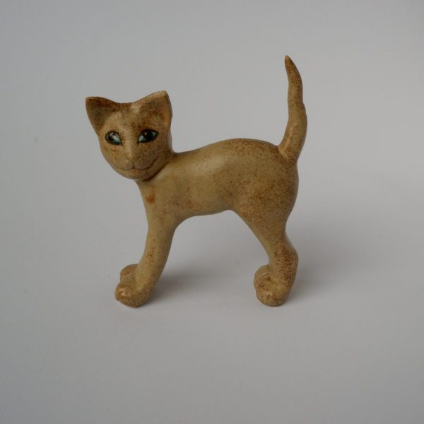 stehende Katze