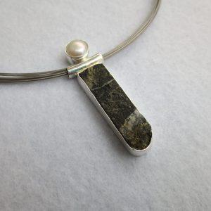 Schiefer-Pyrit-Perle Anhänger