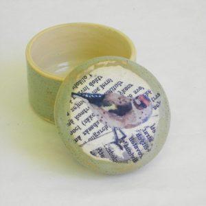 Keramikdose mit Tierbild